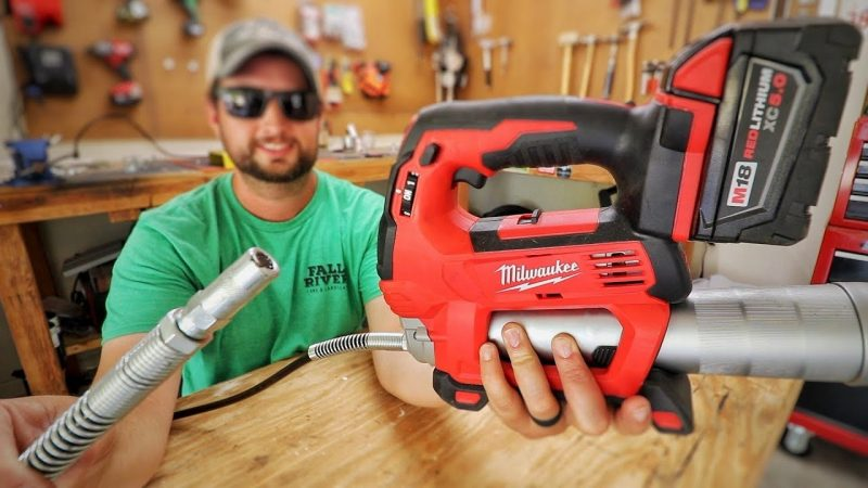 Top 5 Milwaukee Grease Guns Comparison